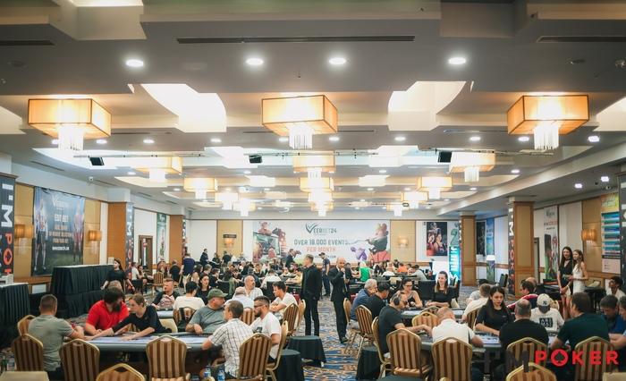 Artemis Poker Classic, покерный зал.jpg